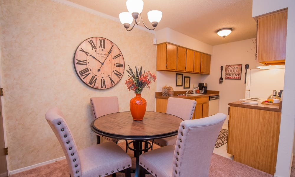 Bright open dining room area at Sunchase Ridgeland Apartments in Ridgeland, Mississippi