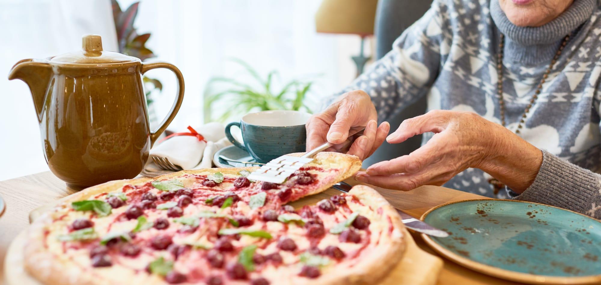 Dining at Milestone Senior Living in Faribault, Minnesota.