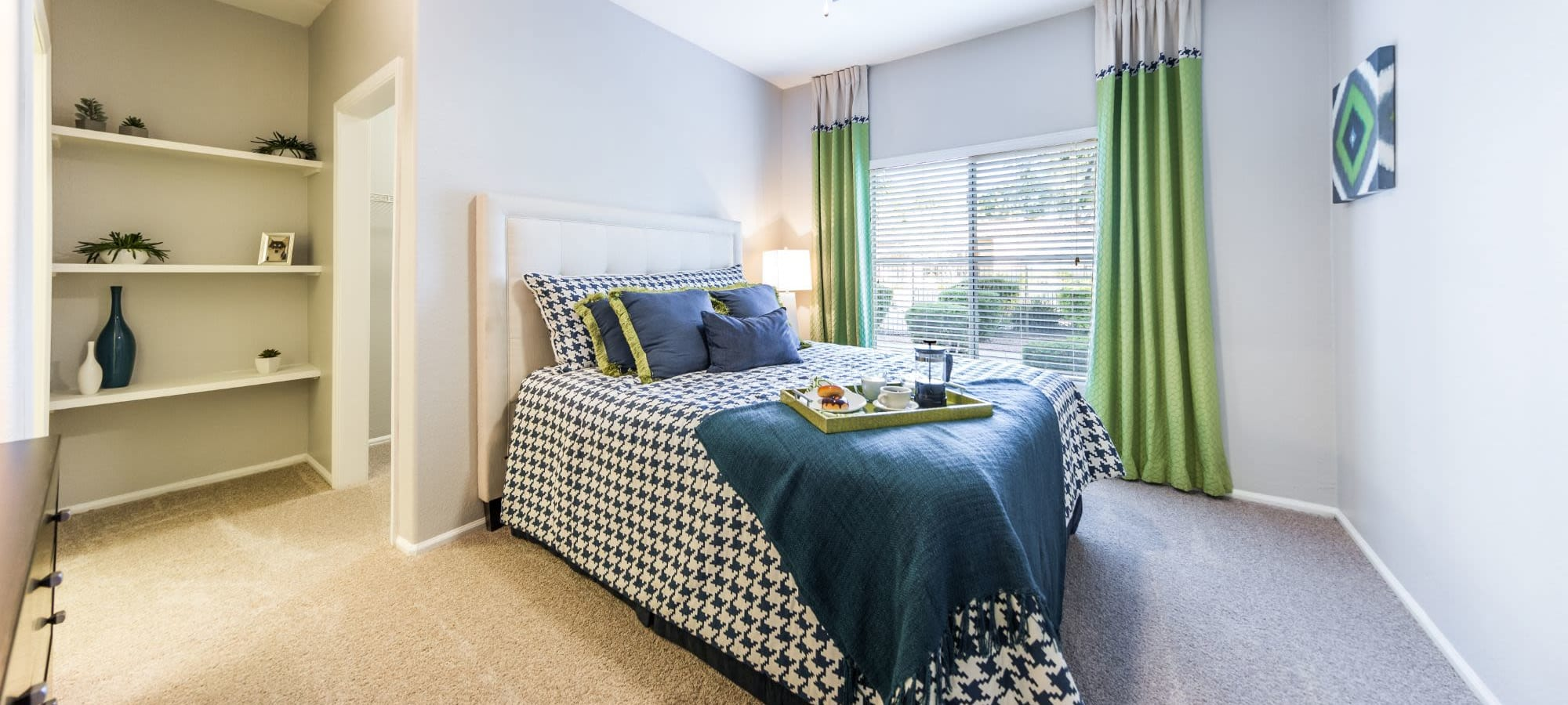 Schedule a tour of Marquis at Arrowhead in Peoria, Arizona