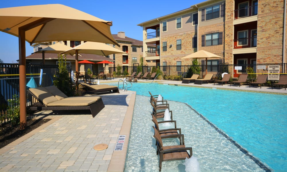 Sparkling pool at The Sovereign in Fort Worth, Texas