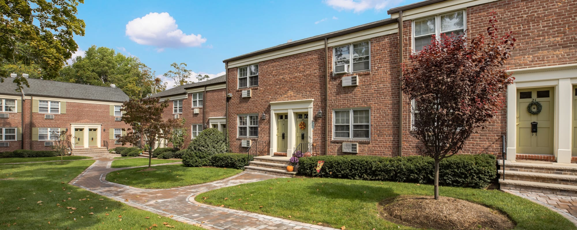 Schedule a tour to see General Wayne Townhomes and Ridgedale Gardens in Madison, New Jersey