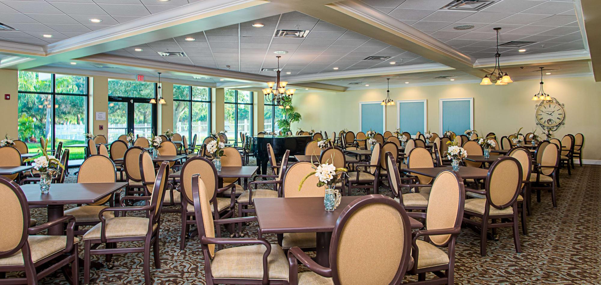 Dining at Grand Villa of St. Petersburg, Florida at Grand Villa of St. Petersburg