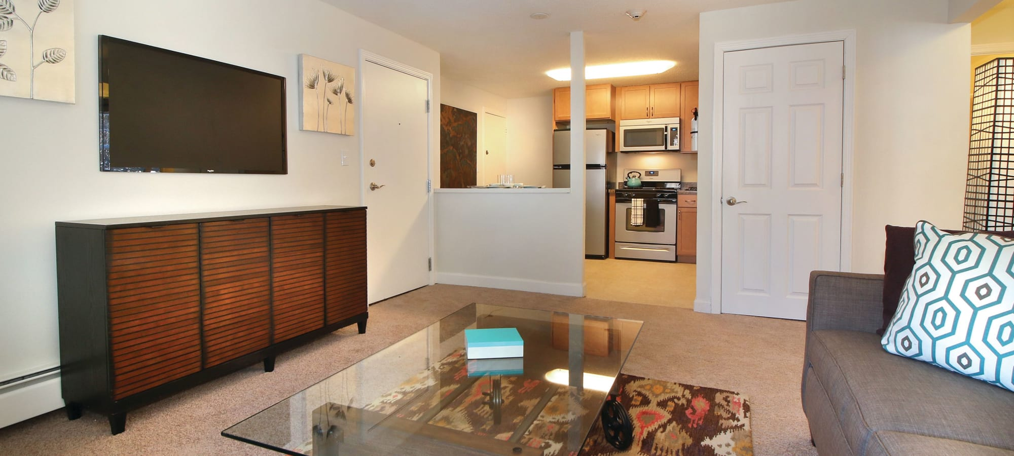 Photo gallery at Middlesex Crossing in Billerica, Massachusetts
