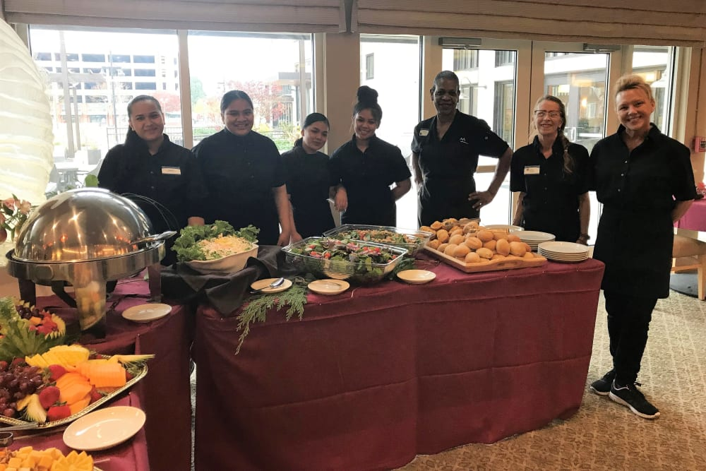 Dining team at Merrill Gardens at Auburn Thanksgiving dinner