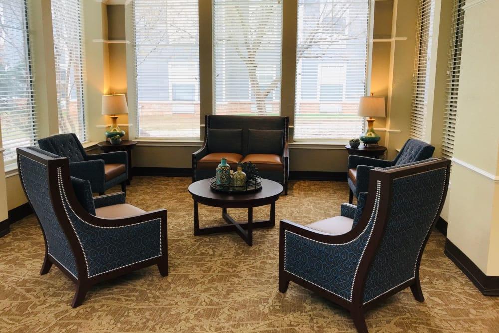 Cozy seating area at Lionwood in Oklahoma City, Oklahoma.