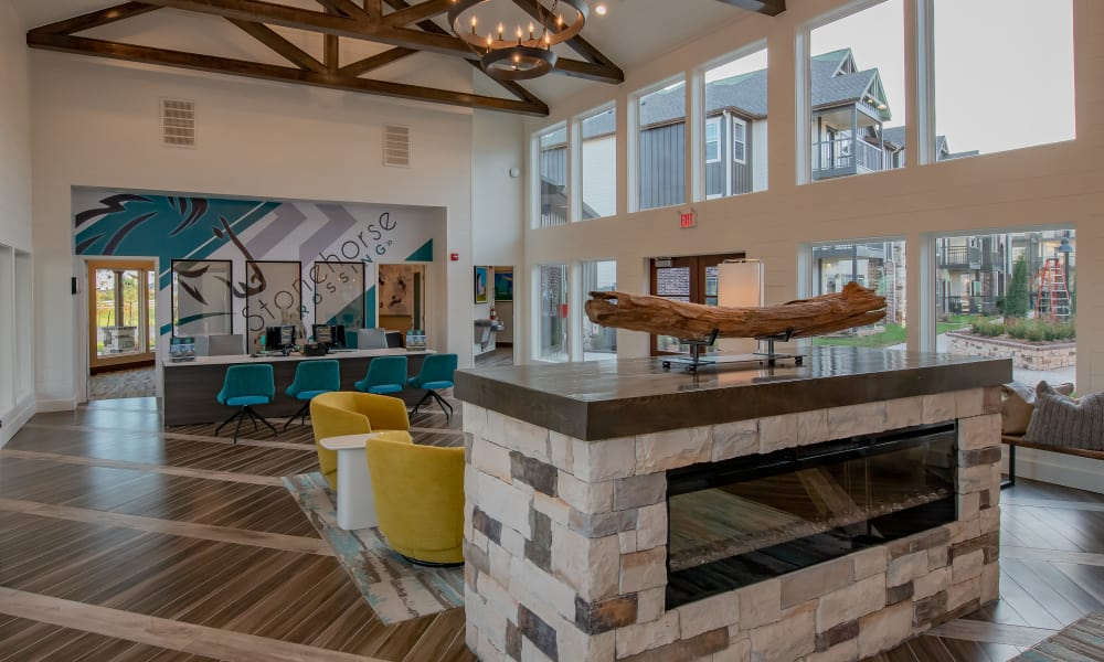 Clubhouse lobby at Stonehorse Crossing Apartments in Oklahoma City, Oklahoma
