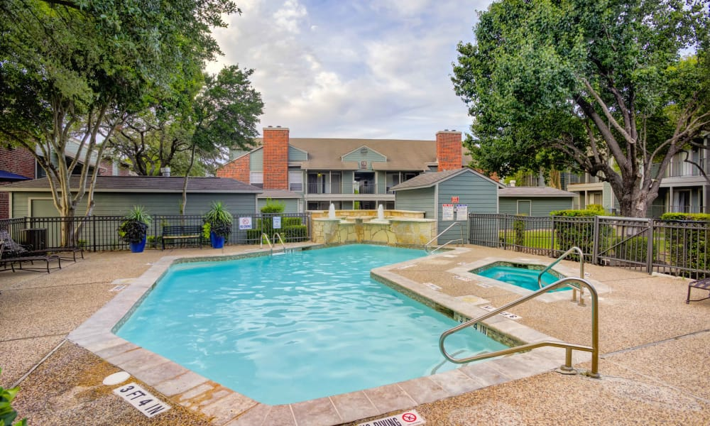 Bradford Pointe offers a spacious swimming pool in Austin, Texas