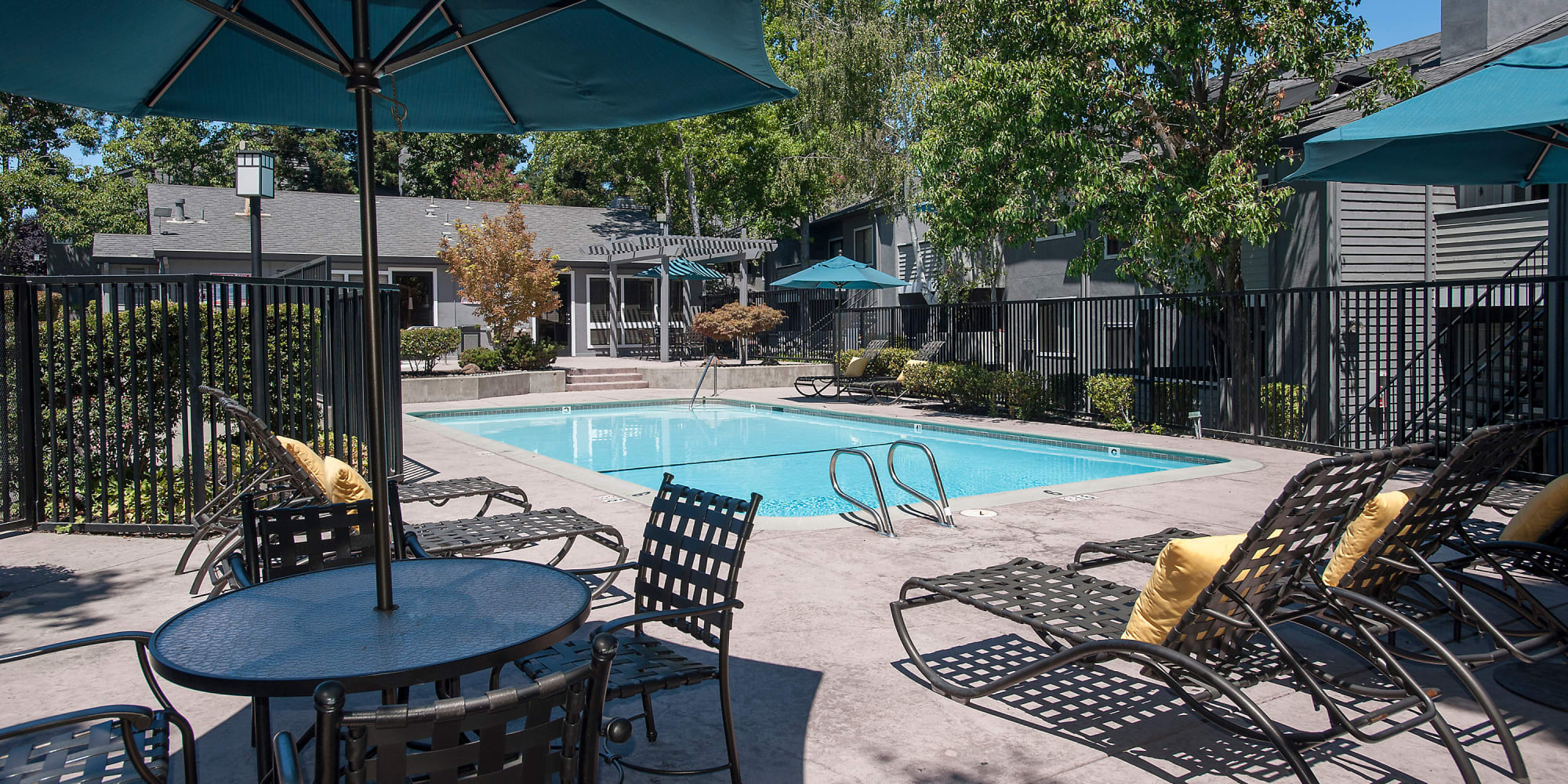 Apartments at Plum Tree Apartment Homes in Martinez, California