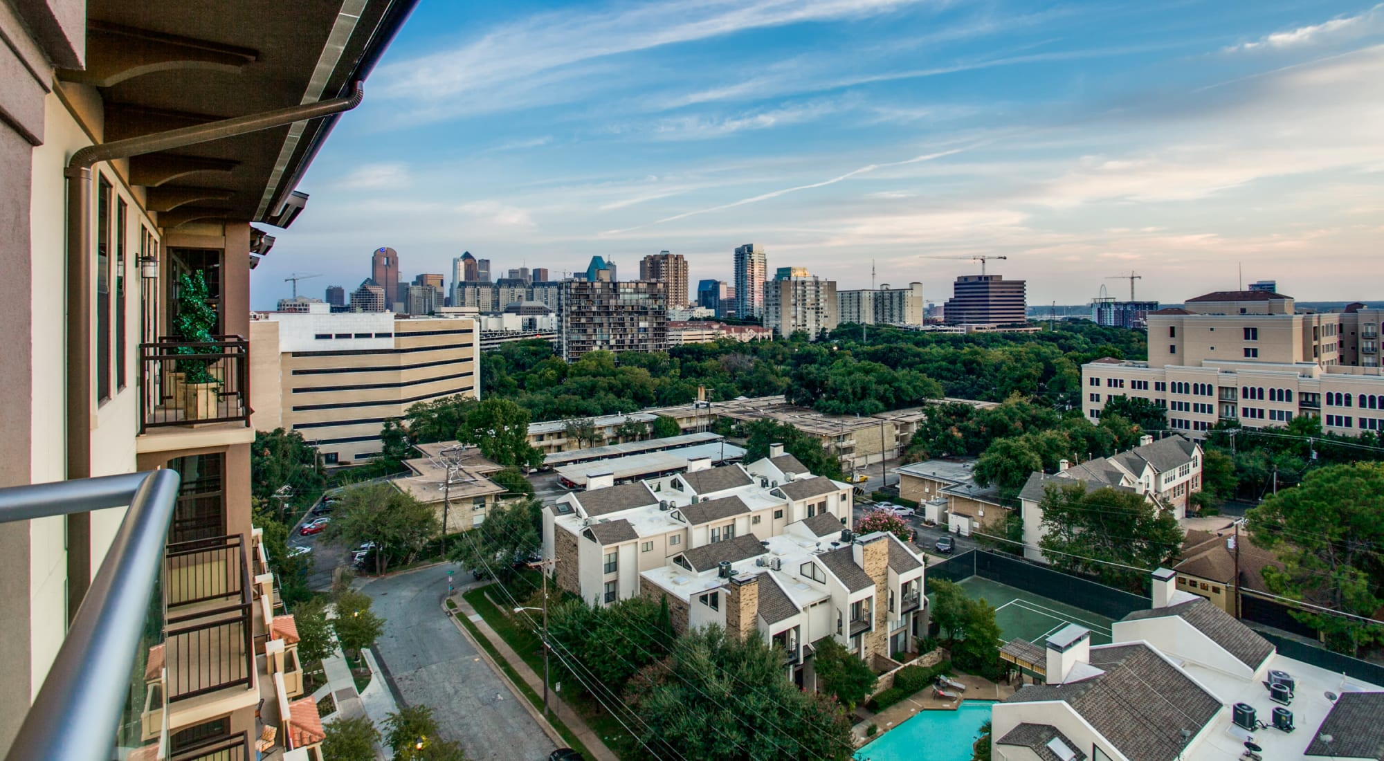 Dallas Tx Luxury Apartments In Turtle Creek Cantabria At Turtle Creek