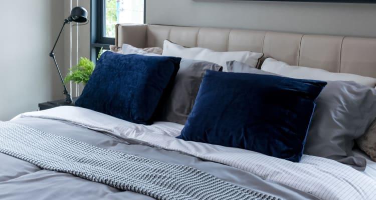 Woods of Williamsburg Apartments model bedroom
