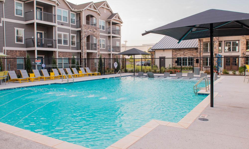 Resort style swimming pool at Artisan Crossing in Norman, Oklahoma