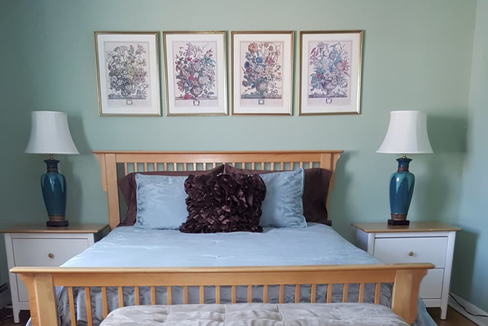 Master bedroom at Wingate Apartments