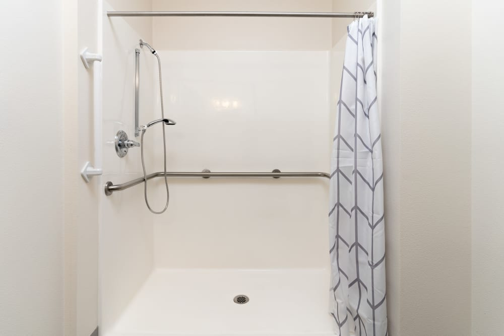 Accessible shower at King's Manor Senior Living Community