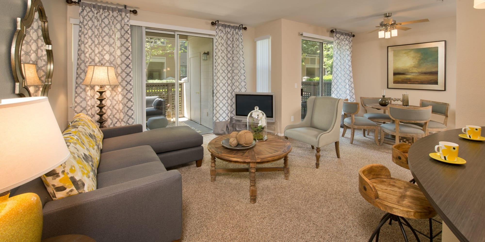 San Jose, California, apartments at Rosewalk
