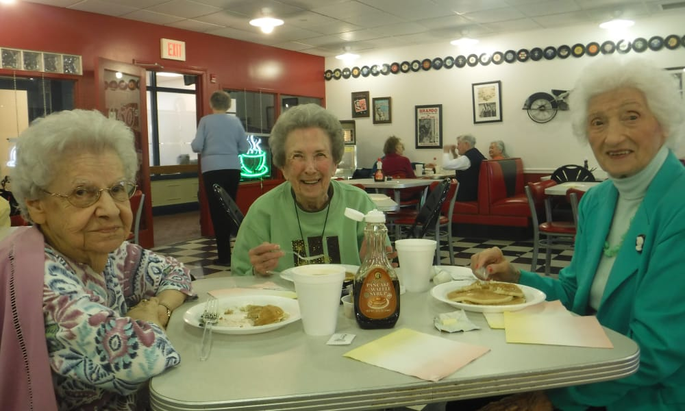 Ladies enjoying breakfast at Arbour Square of Harleysville