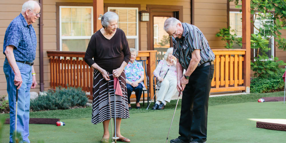 Residents putting on course at The Springs at Missoula in Missoula, Montana