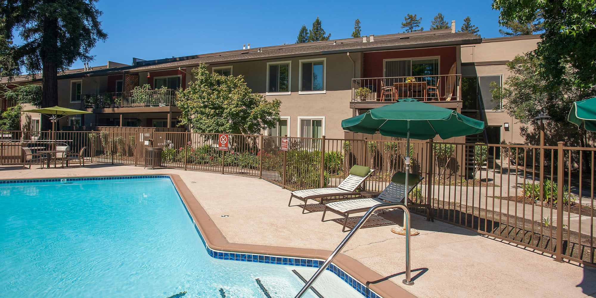 Walnut Creek, California, apartments at Flora Condominium Rentals