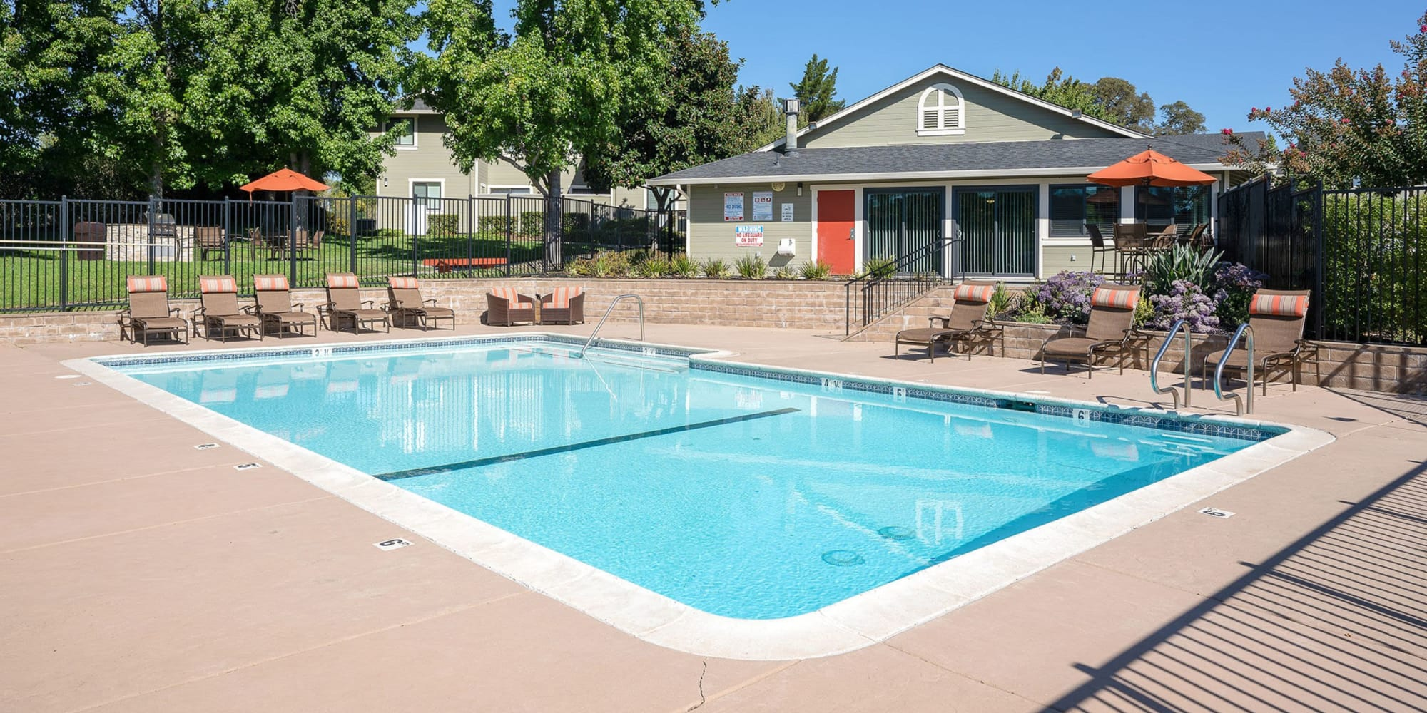 Apartments at Ridgecrest Apartment Homes in Martinez, California