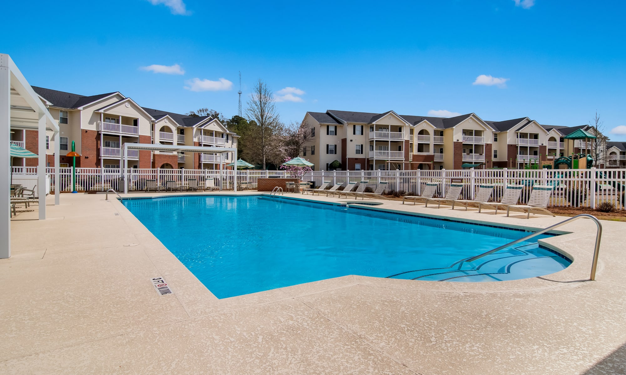 Pool at Ten68 West in Dallas, Georgia