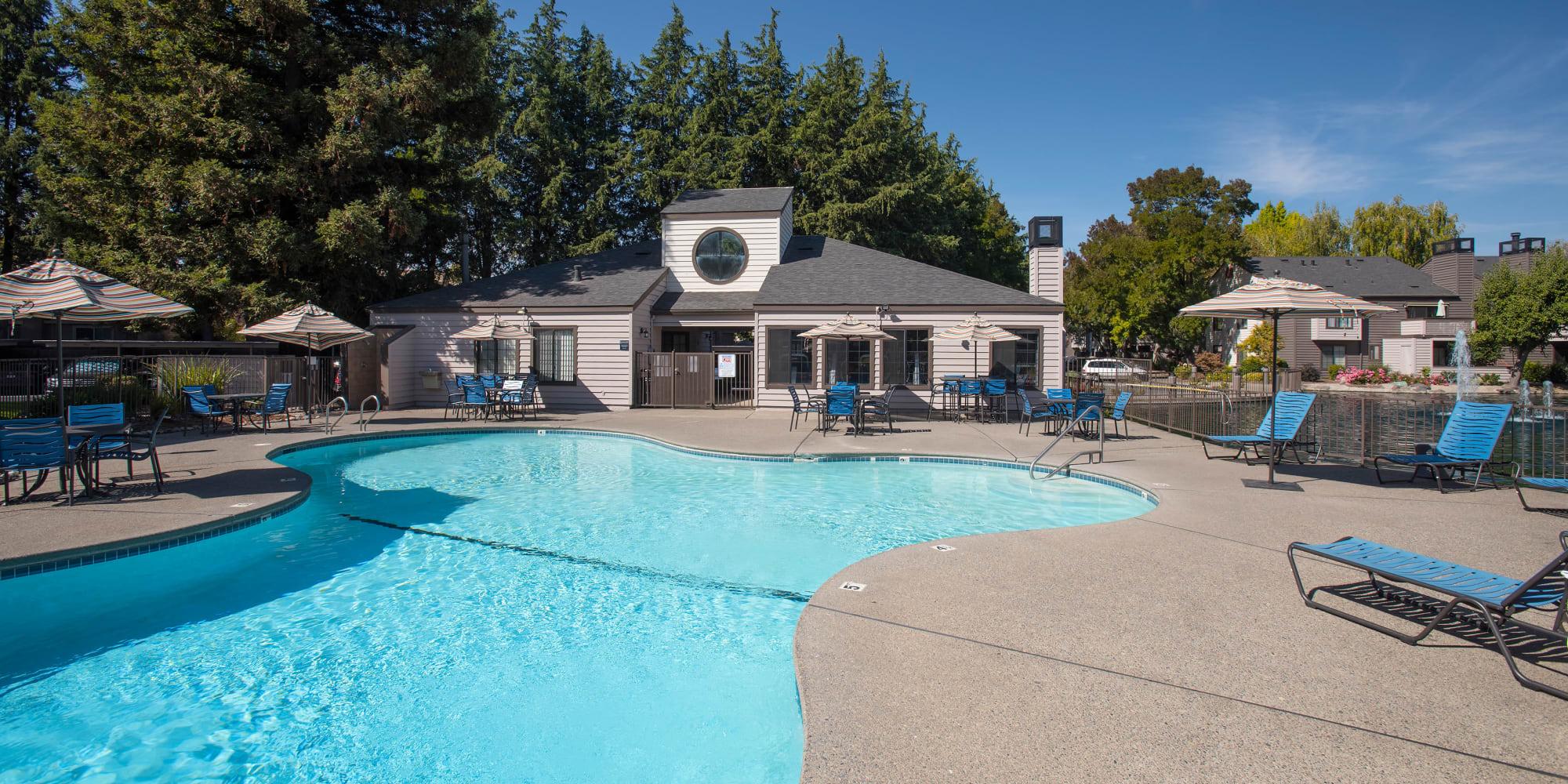 Apartments at Hidden Lake Condominium Rentals in Sacramento, California