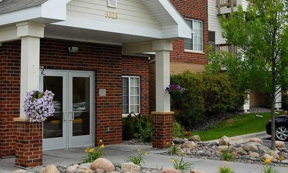 Arbor Glen Apartments in Maple Grove, MN