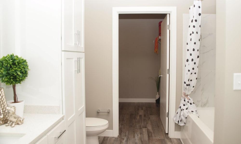 Enjoy a Beautiful Bathroom at Rialto Hurstbourne