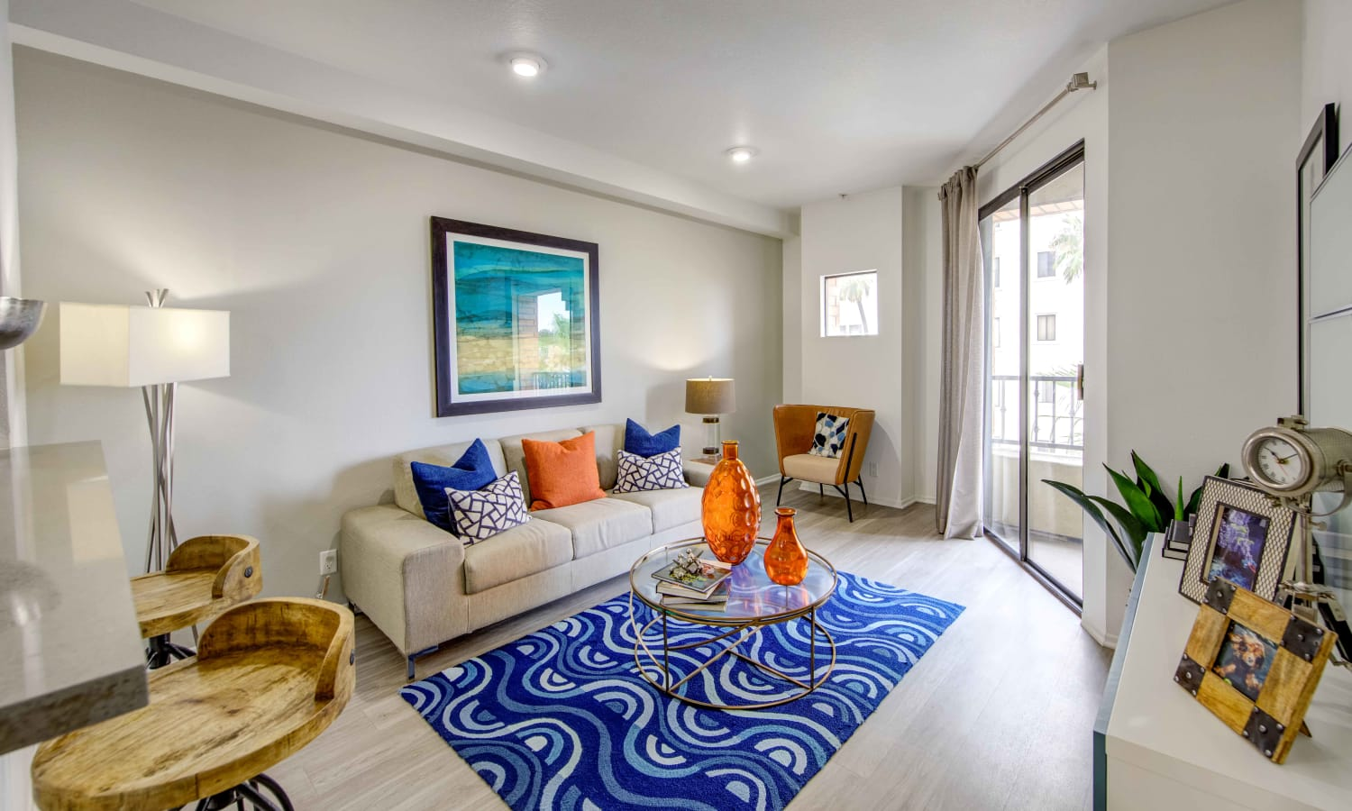 Sofi at 3rd offers a beautiful living room in Long Beach, California