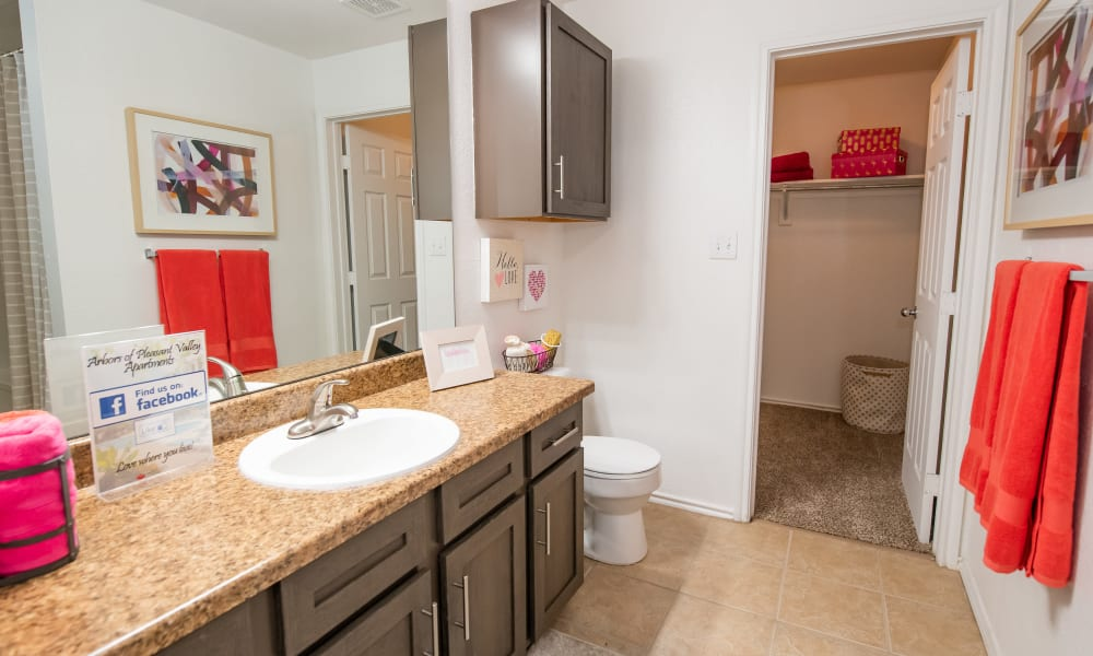 A large bathroom at Arbors of Pleasant Valley in Little Rock, Arkansas