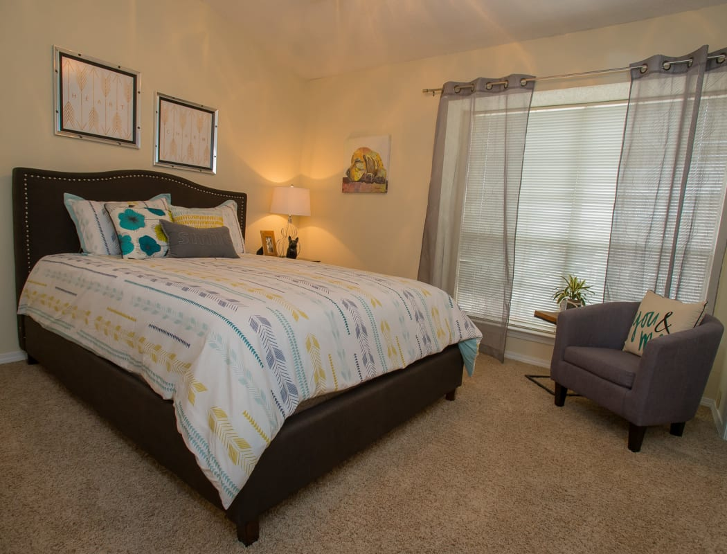 Spacious bedroom at Creekwood Apartments in Tulsa, Oklahoma