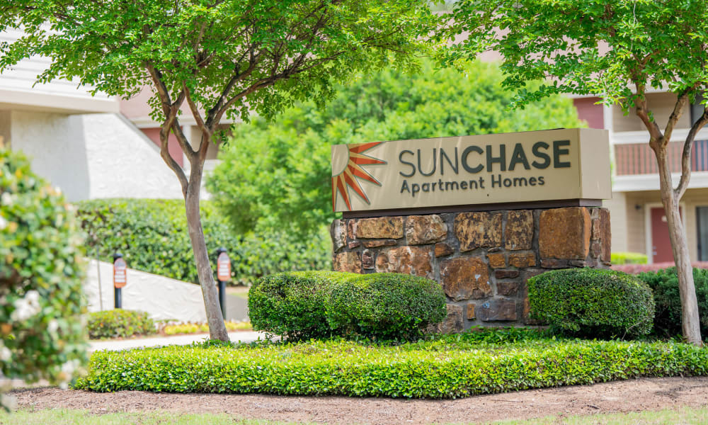 The sign in front of Sunchase Ridgeland Apartments in Ridgeland, MS