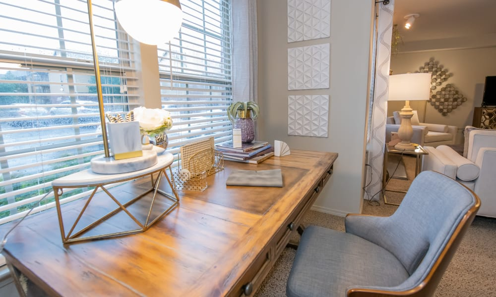 Office nook at Cascata Apartments in Tulsa, Oklahoma