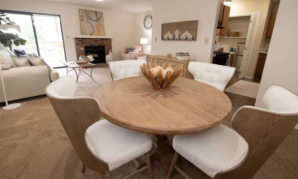 An apartment dining room at The Mark Apartments in Ridgeland, MS