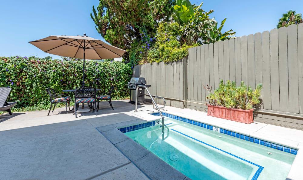 Vista Pointe I swimming pool in CA