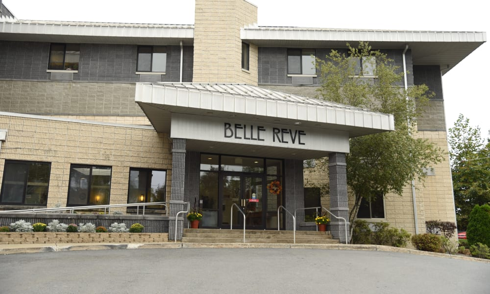Front entrance at Belle Reve Senior Living in Milford, Pennsylvania