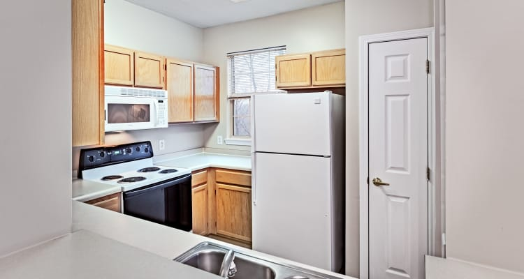 Open kitchen at Highlands of Montour Run in Coraopolis, PA