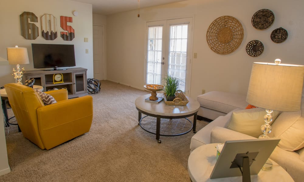 Spacious living room at Cimarron Trails Apartments in Norman, Oklahoma