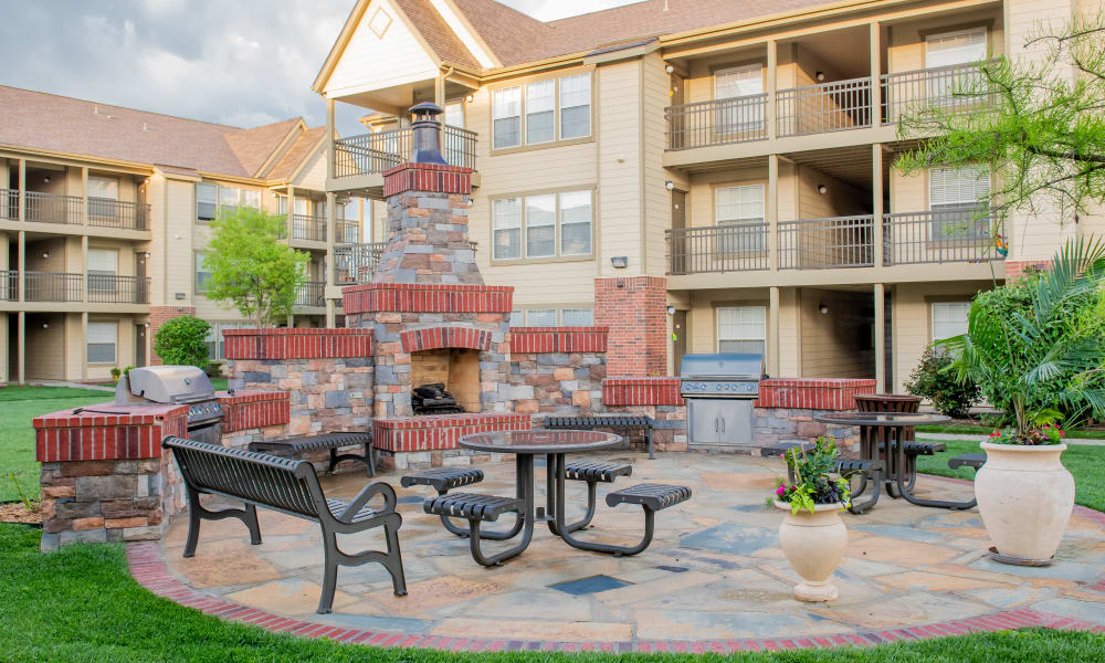 Outdoor kitchen at Remington Apartments in Amarillo, Texas