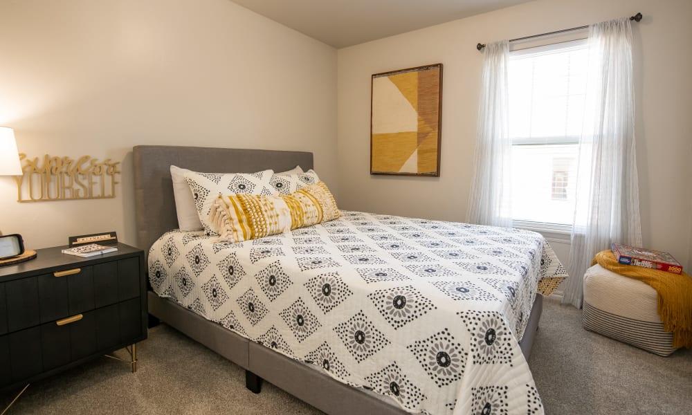 Bright bedroom at Cross Timber in Oklahoma City, Oklahoma