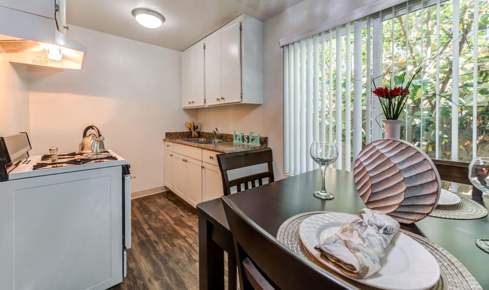 Vista Pointe I kitchen with plank flooring