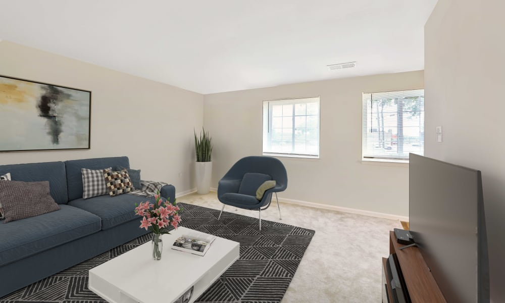 Living Room to Eagle's Crest Apartments in Harrisburg, Pennsylvania