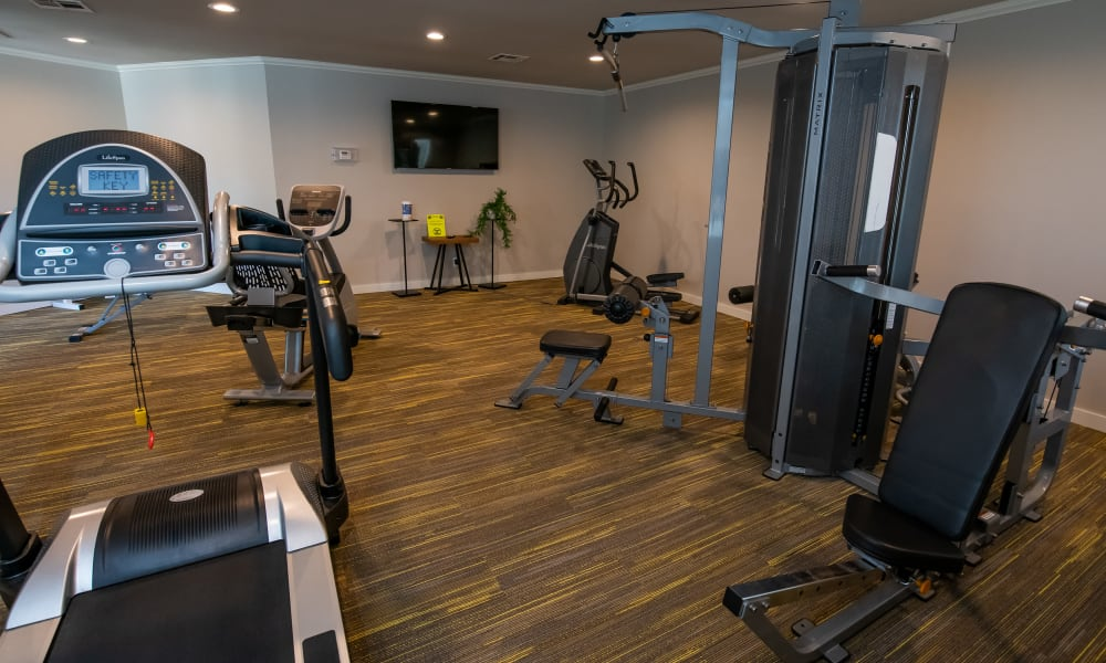 Fitness center at Eagle Point Apartments in Tulsa, Oklahoma