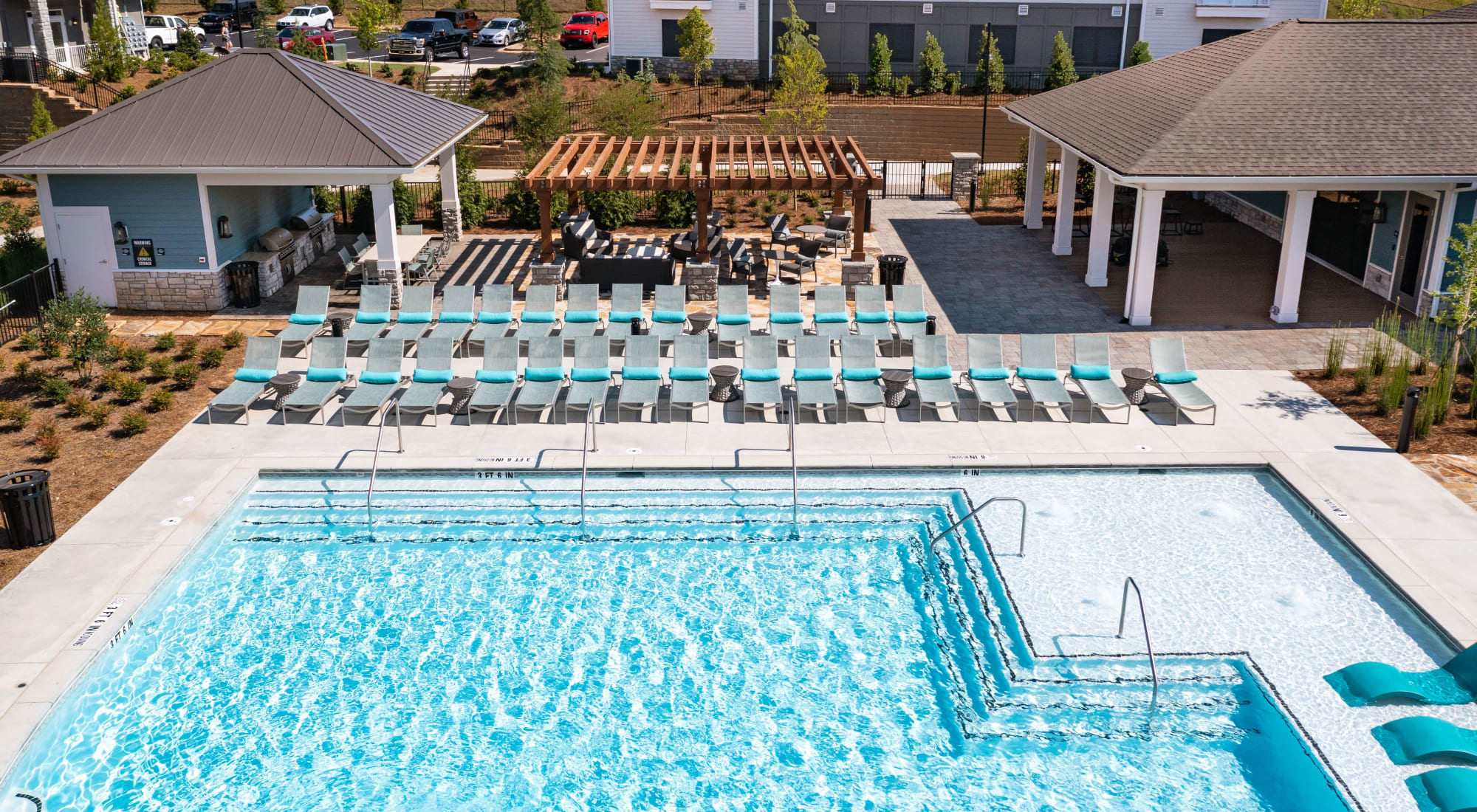 Apartments at The Crest at Flowery Branch in Flowery Branch, Georgia