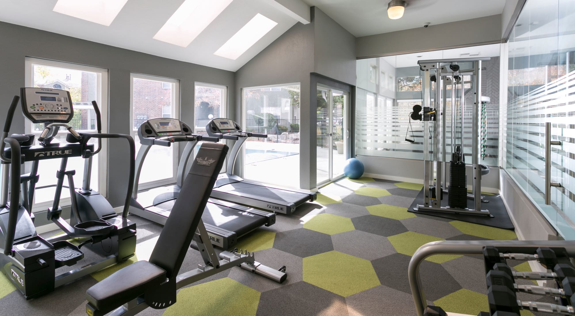 Amenities at Waterfield Court Apartment Homes in Aurora, Colorado