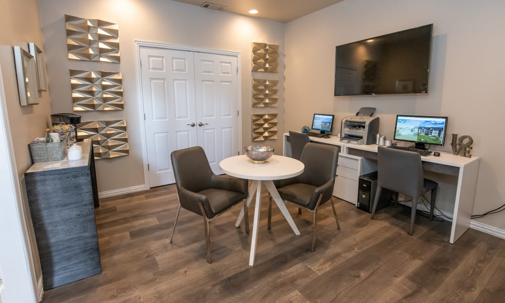 Business center for resident use at Remington Apartments in Amarillo, Texas