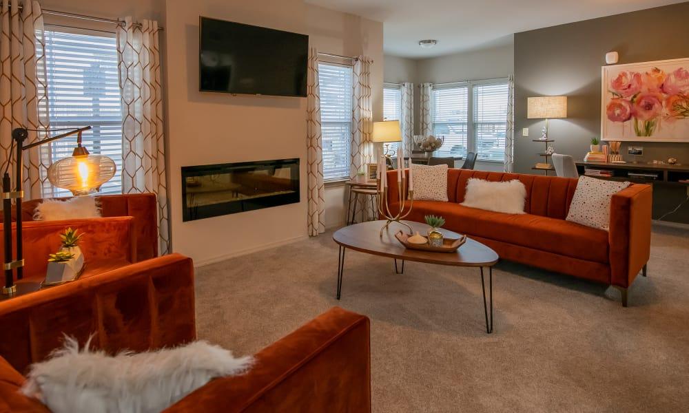 Spacious living room at Stonehorse Crossing Apartments in Oklahoma City, Oklahoma