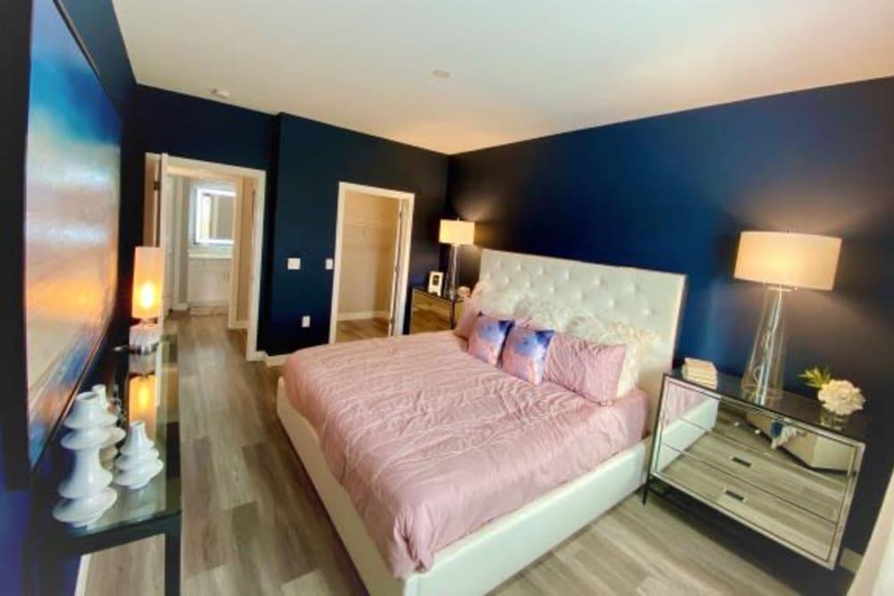 Rialto Hurstbourne offers a Beautiful Bedroom in Louisville, Kentucky