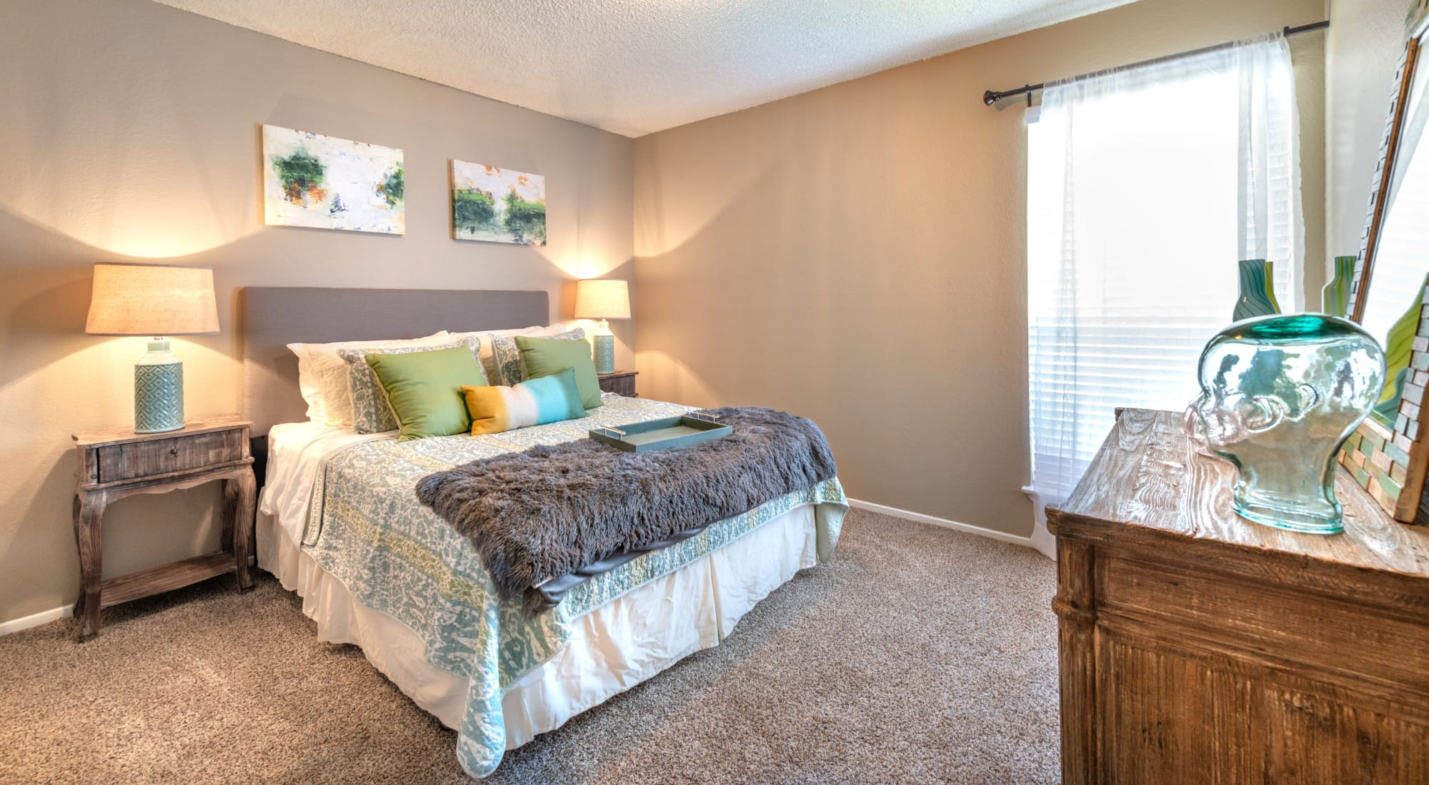 Apply to live at 8500 Harwood Apartment Homes in North Richland Hills, Texas