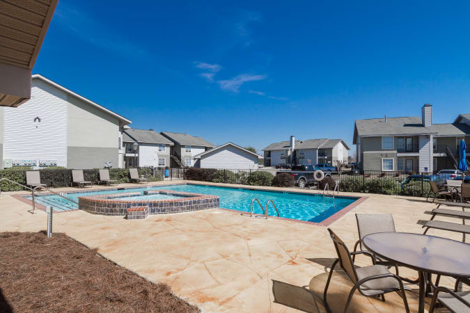 Sparkling swimming pool at Castlegate Commons Apartments