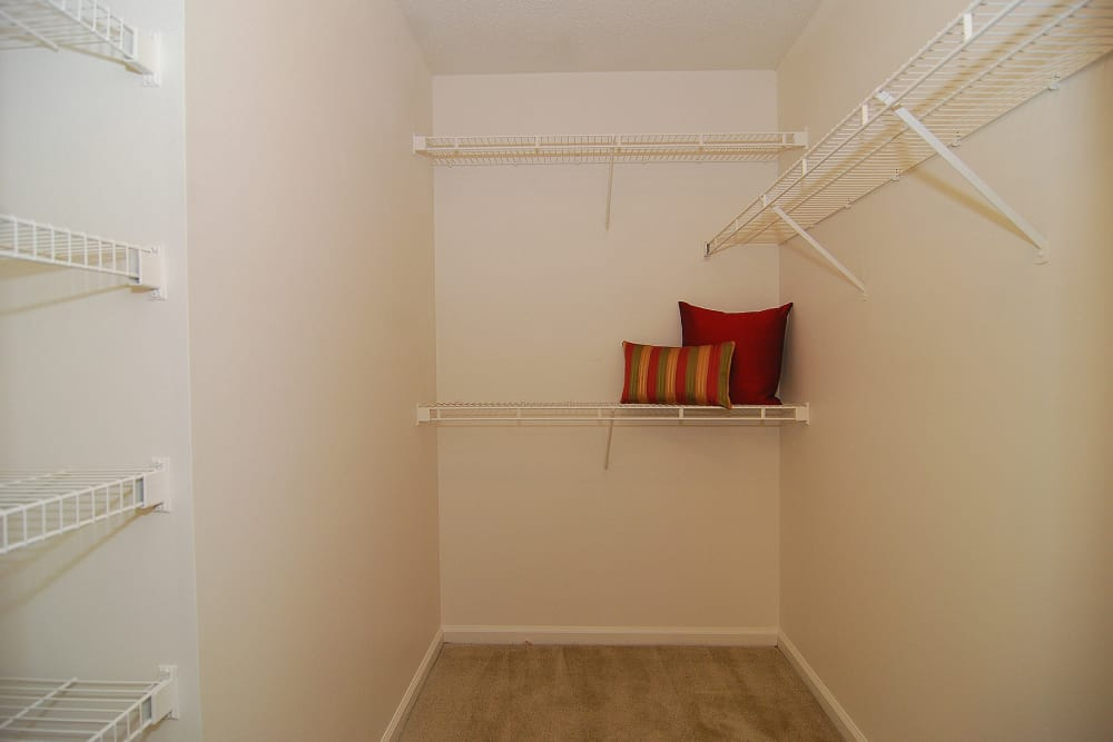 Spacious Walk In Closets with Ample Storage at Huntington Place Apartments in Columbia, SC