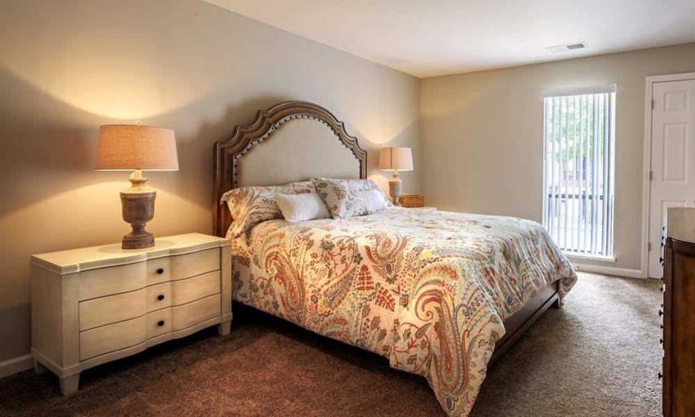 Bedroom at Nineteen North Apartments in Pittsburgh, Pennsylvania